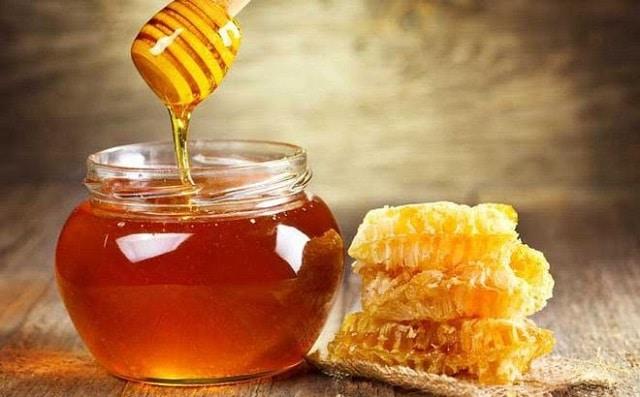 Mật ong chứa nhiều vitamin và khoáng chất hỗ trợ tăng cân