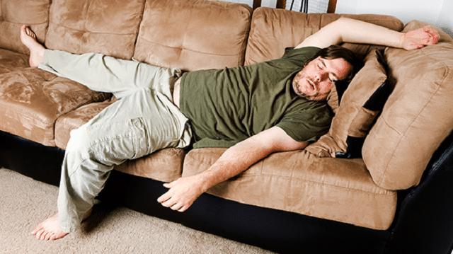Lười vận động là nguyên nhân dẫn đến béo bụng