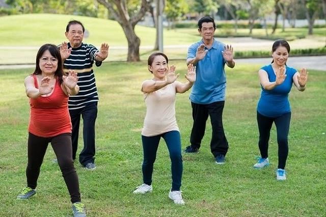 Người bị huyết áp cao nên luyện tập thể dục mỗi ngày