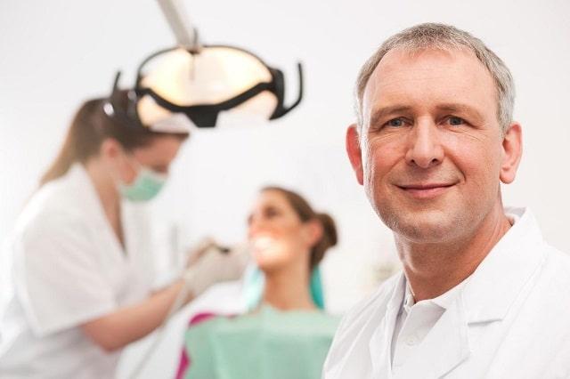 Thường xuyên kiểm tra răng miệng định kỳ