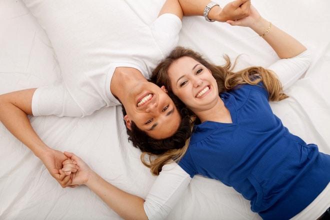 Giữ tâm trạng vui vẻ, thoải mái sẽ giúp cải thiện sinh lý