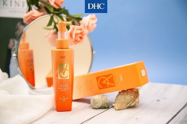 Dầu tẩy trang Vitamin C DHC VC Cleansing Oil chứa 4 loại dẫn xuất vitamin C