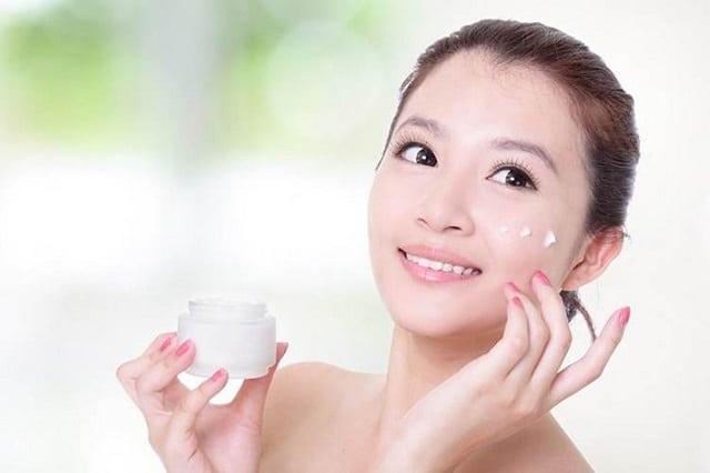 Lựa chọn kem dưỡng ẩm phù hợp với tình trạng da