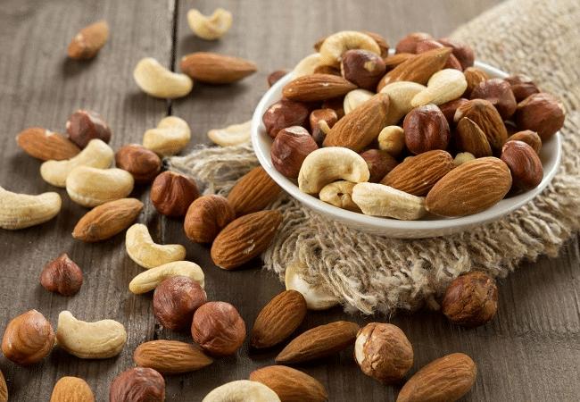 Hạt là nguồn dinh dưỡng tốt và vô cùng dồi dào giúp thai nhi lớn khỏe, thông minh