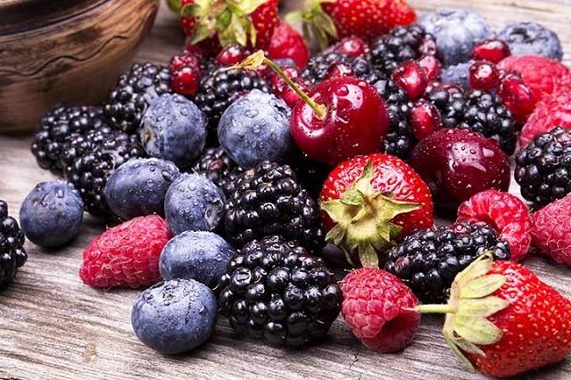 Các loại hoa quả mọng cung cấp khoáng chất, nước, vitamin