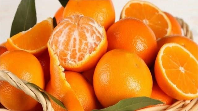 Trong cam chứa rất nhiều vitamin C có lợi cho bà bầu và thai nhi
