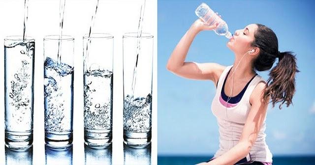 Người bị viêm amidan cần bổ sung đủ 2 - 2.5 lít nước mỗi ngày