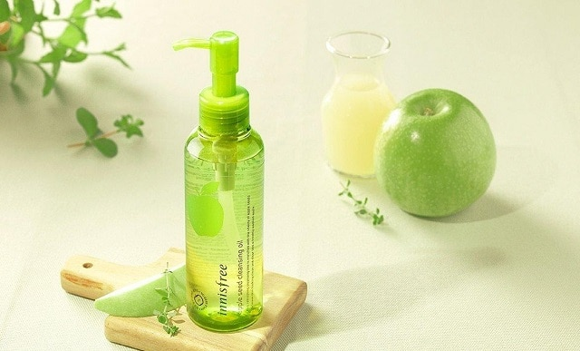 . Dầu tẩy trang Innisfree Apple Seed Cleansing Oil