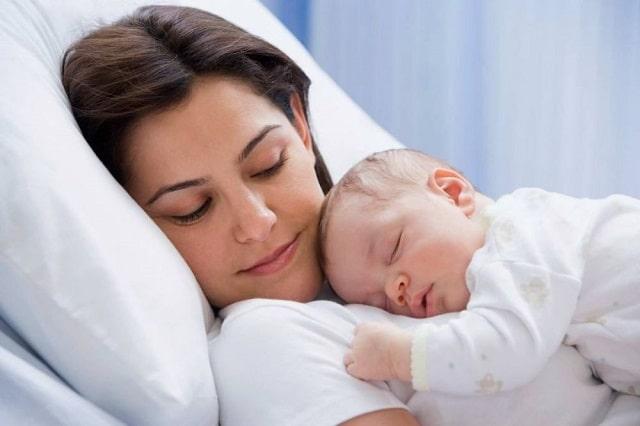 Chăm mẹ sau sinh mổ