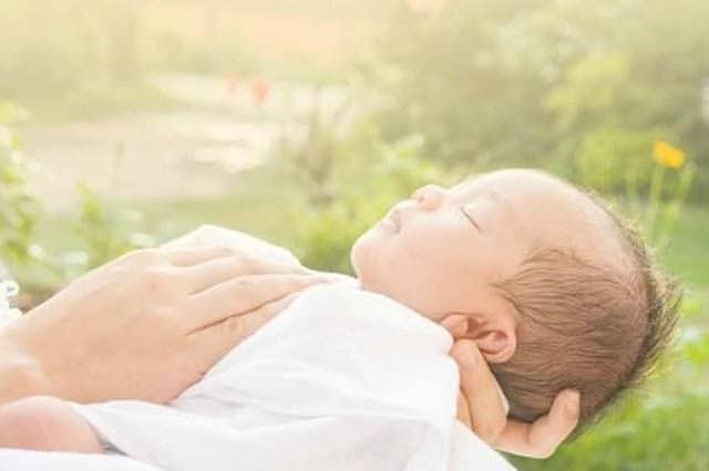 Cách chăm sóc trẻ sơ sinh mùa đông
