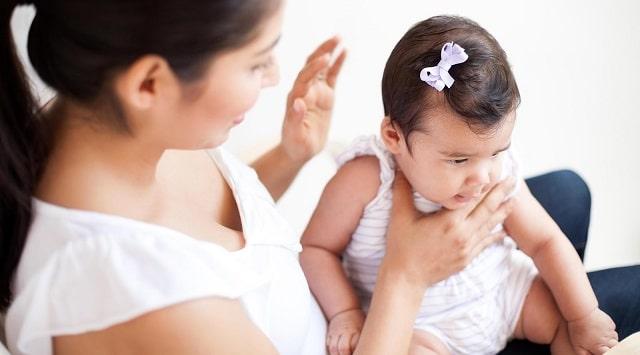 Cách vỗ long đờm cho trẻ sơ sinh