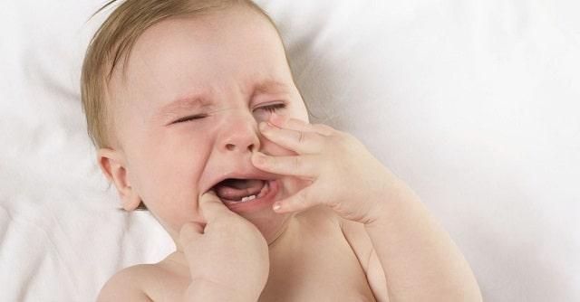 Cách chữa nhiệt miệng cho trẻ